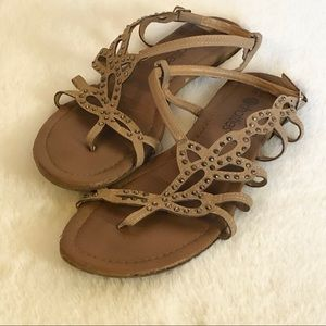 🌸Chatties - Tan sparkly sandals